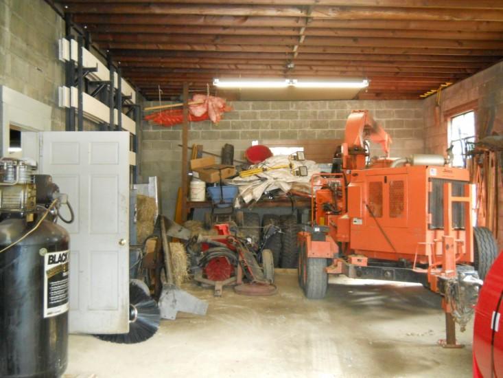 Highway Garage Interior4